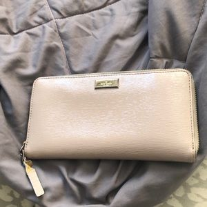 Used condition Kate spade wallet
